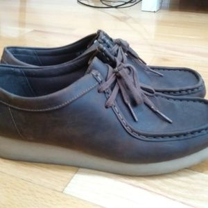 CLARKS CLASSIC SHOES